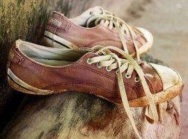 [Leitora pede sapato usado nº 30 para uma criança que não tem o que calçar]