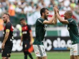 [Rebaixado, Vitória perde para o campeão Palmeiras por 3x2]