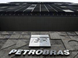 [Petrobras demite funcionários com prisão decretada na Lava Jato]