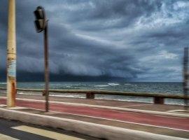 [Inema emite alerta máximo de chuvas em 146 cidades; Camaçari está inclusa]