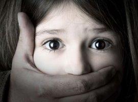[TODOS devem saber que estes são os sinais da criança que sofre abuso]