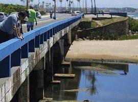 [Embasa será multada em até R$ 10 milhões por jogar esgoto sem tratar no mar]