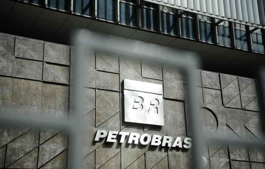 [Novo presidente da Petrobras nomeia novos diretores para estatal]