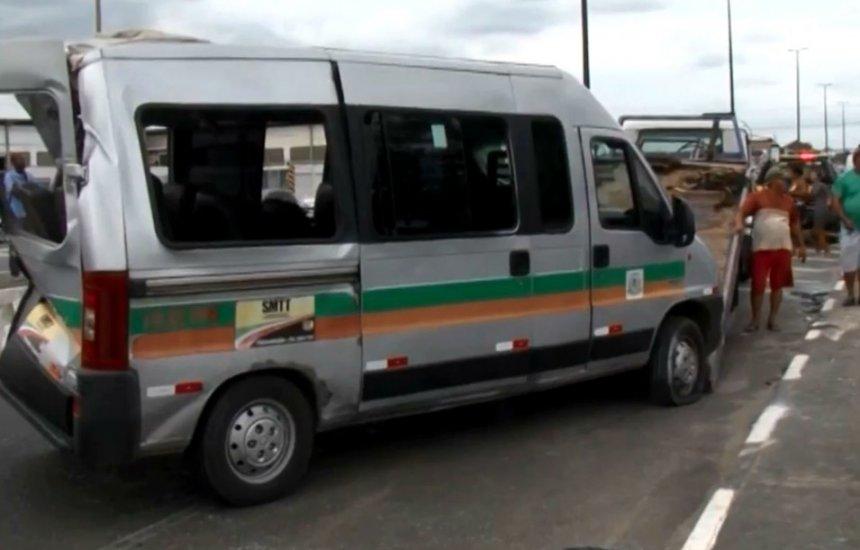 [Vítima de acidente entre van e ônibus que deixou 10 pessoas feridas morre]
