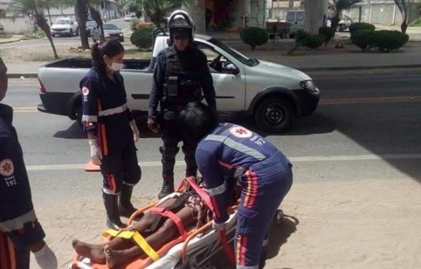 [Mulher é socorrida para o hospital após se jogar de viaduto em Feira de Santana]