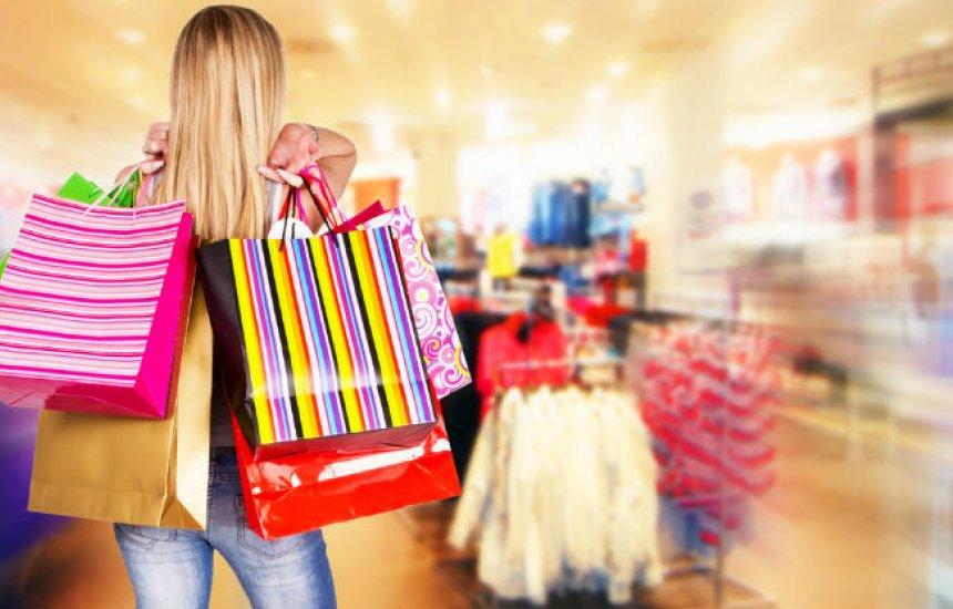 [Lojas de shoppings de Salvador permanecem fechadas aos domingos]