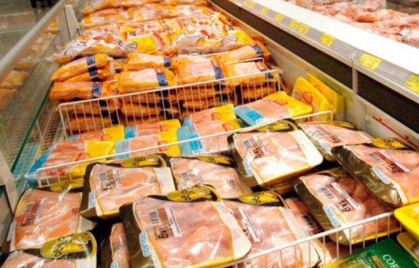 [Mais de 160 toneladas de frango são recolhidas após suspeita de bactéria]