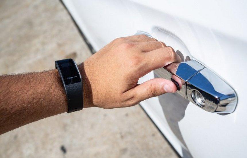 [Hyundai vai vender pulseira que serve como relógio e abre o carro]
