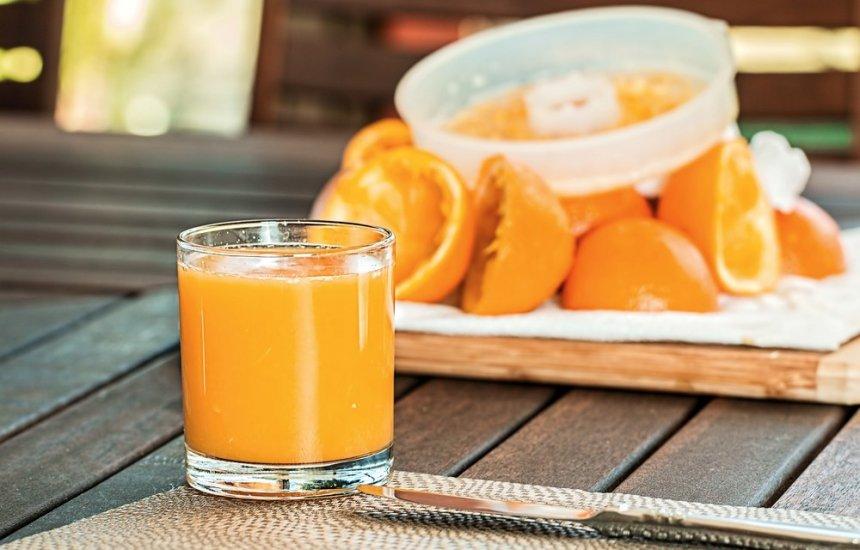 [Beber suco de fruta é realmente saudável?]