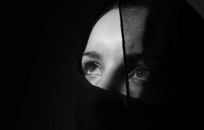 [Mulheres ficam menos estressadas quando se tornam viúvas]