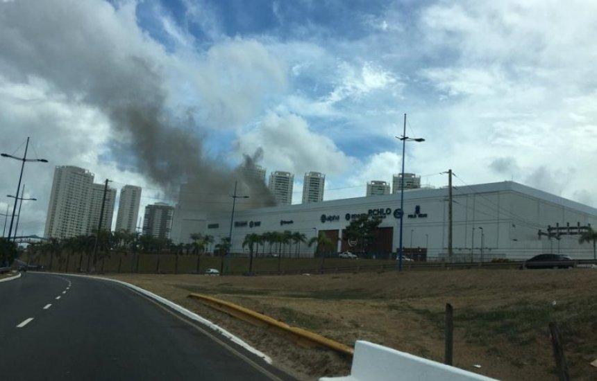 [Vídeo: Shopping Bela Vista é atingido por princípio de incêndio]