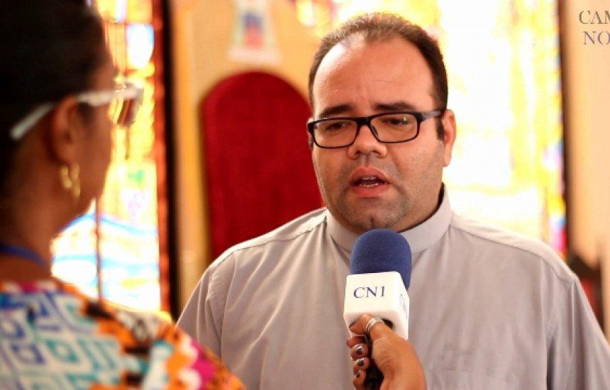 [Pe. Osmar fala sobre a programação da Semana Santa em Camaçari]