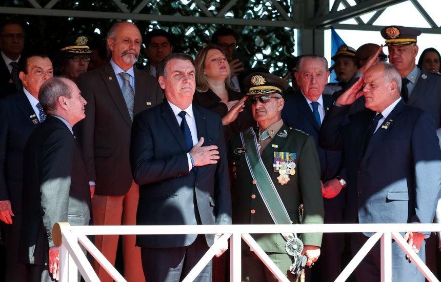 [Bolsonaro diz que Exército sempre esteve ao lado da vontade nacional]