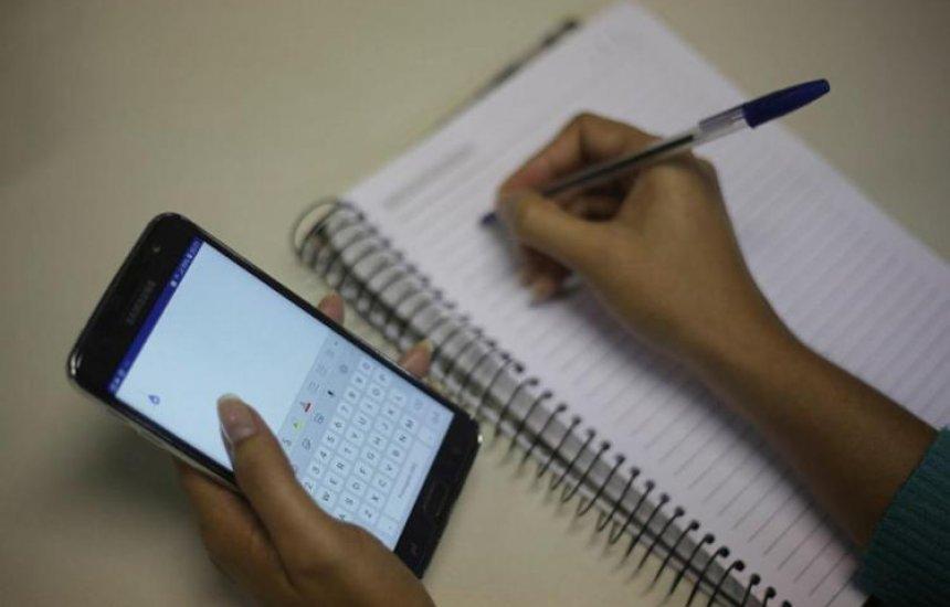 [Estudantes podem renegociar Fies com Banco do Brasil pelo celular]