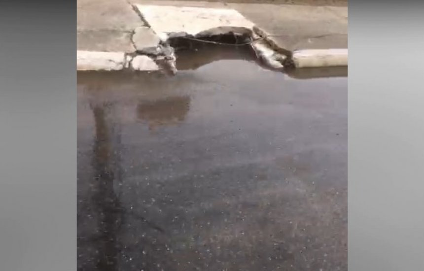 Seu Bairro no CN: leitora reclama de vazamento de esgoto ao lado do HGC
