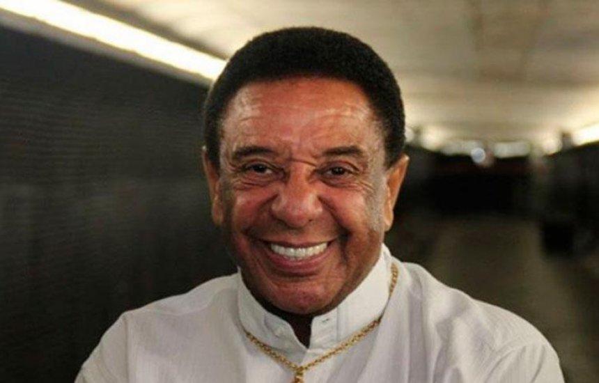 Após princípio de AVC, Agnaldo Timóteo passa por cateterismo em Salvador