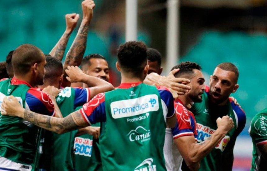 [Com dois gols de Gilberto e Artur, Bahia vence o Fluminense na Arena Fonte Nova]
