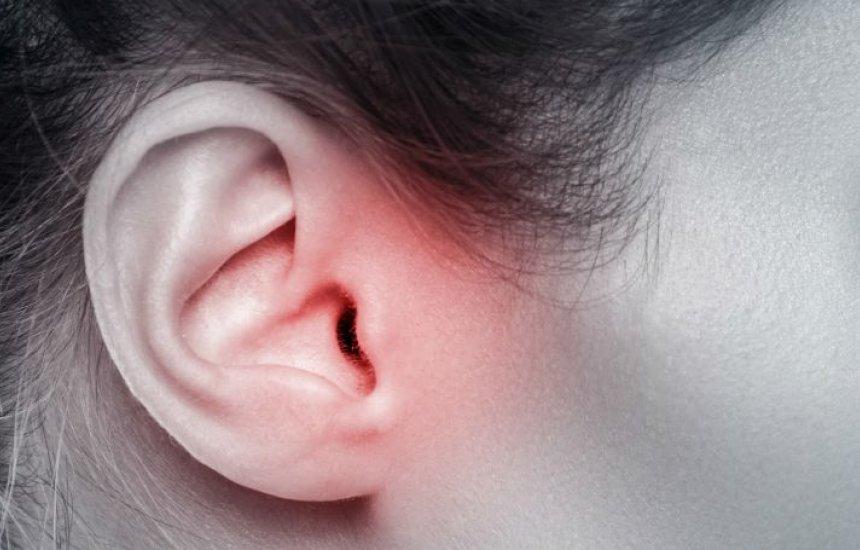 [Coceira no ouvido pode ser sintoma de psoríase, infecção e mais 4 condições]