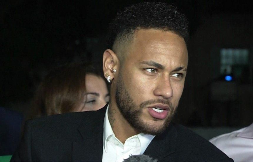 [Neymar diz à polícia que usou preservativo com Najila e deu tapas a pedido dela]