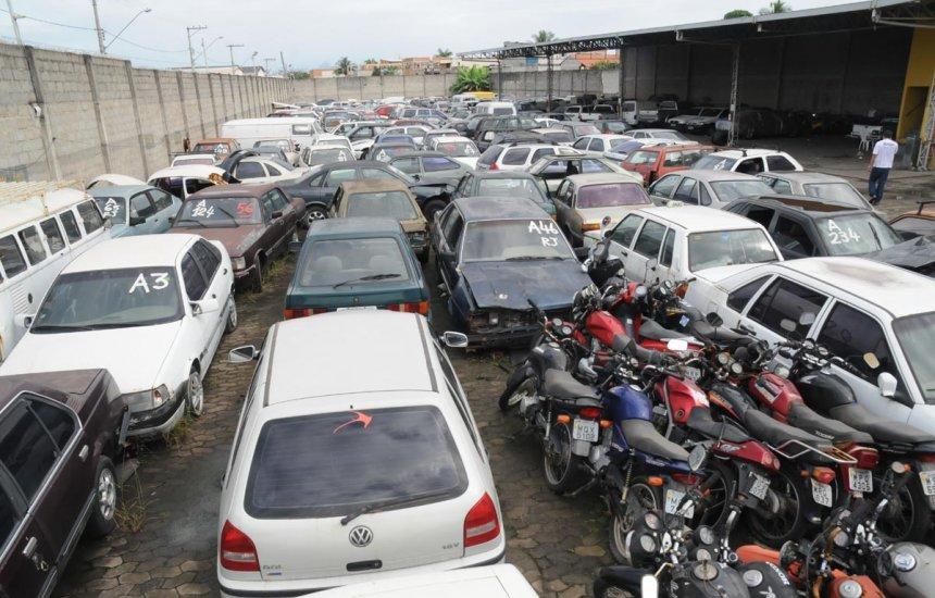 [PRF vai leiloar veículos sucatas na Bahia a partir de R$ 25]