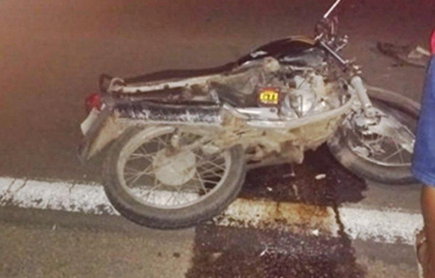 [Homem morre em acidente de moto após esfaquear a companheira]