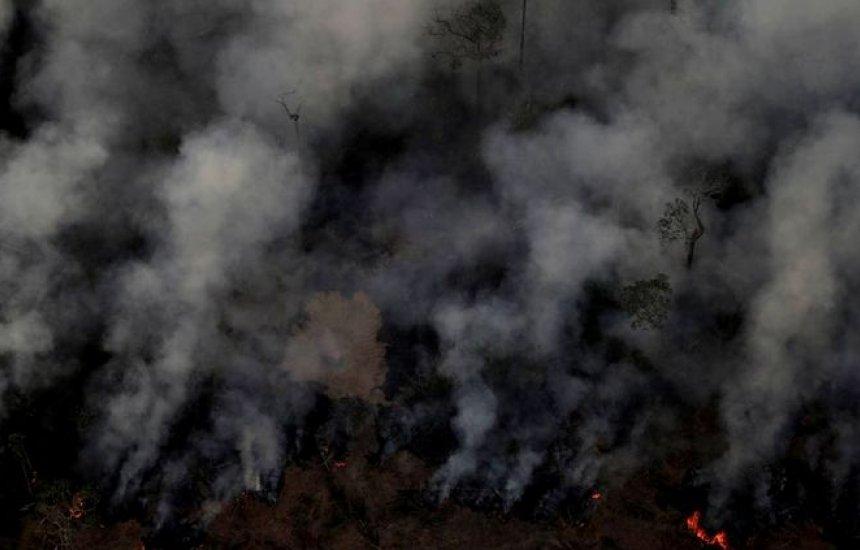 [Fumaça das queimadas na Amazônia afeta voos, barcos e lota hospitais]