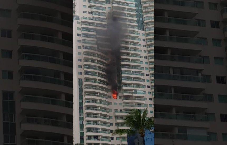 [Apartamento de luxo na Avenida Tancredo Neves pega fogo]