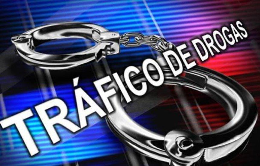 [Dois homens são presos por tráfico de drogas em Dias d'Ávila]