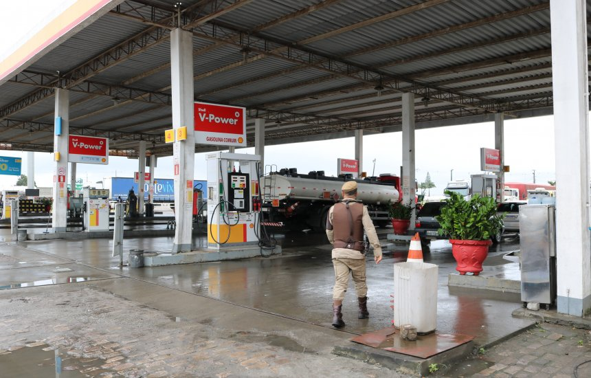 [Posto é impedido de operar por armazenar gasolina com até 79% de etanol]