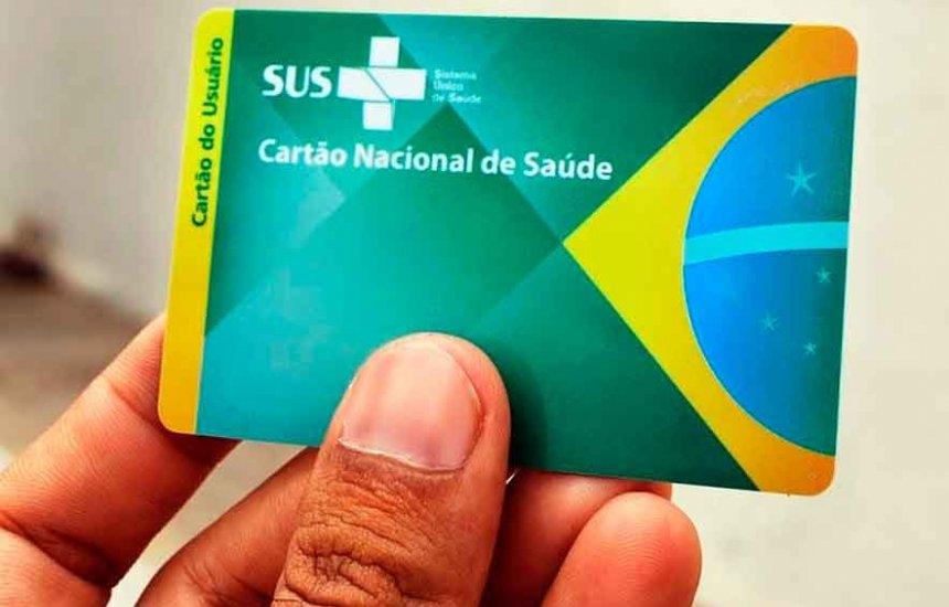 [Prefeitura de Salvador oferta cartão do SUS com nome social em Parada Gay]