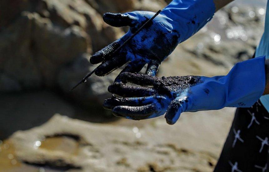 [Marinha diz que mais de mil toneladas de óleo foram retiradas do Nordeste]