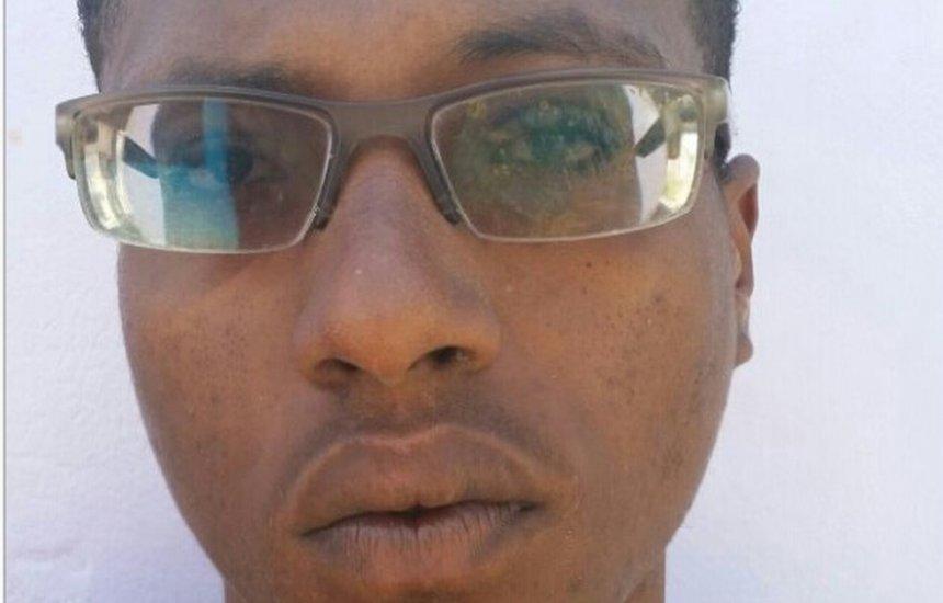 [Suspeito de matar jovem a facadas em bar tem prisão decretada e é procurado]