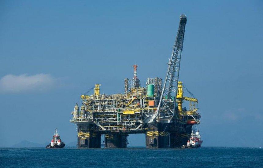 [ANP sugere que petrolíferas financiem estudos sobre manchas de óleo]