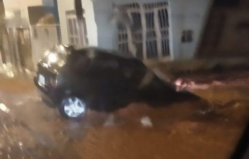 [Médico morre após tentar atravessar rua durante temporal na Bahia]