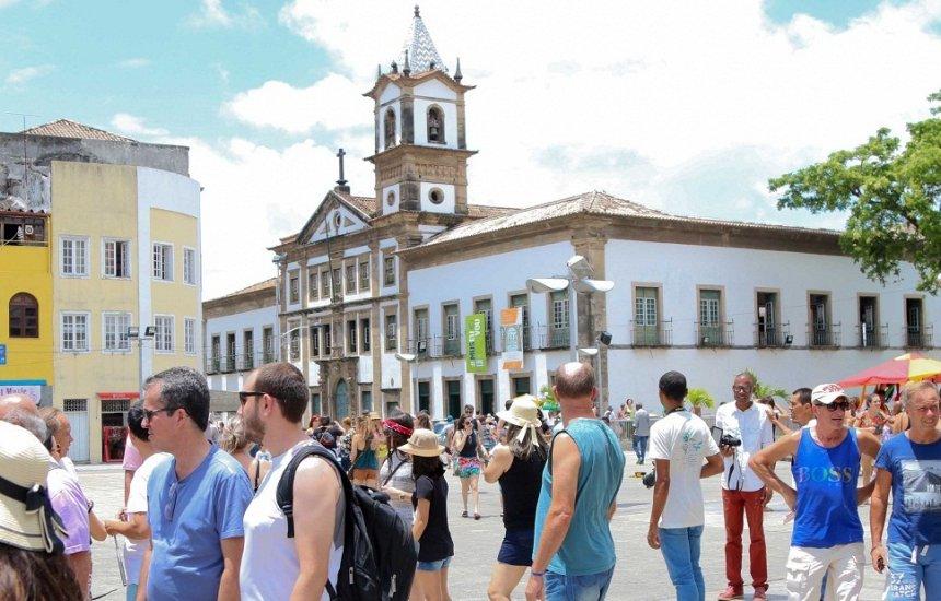 [Atividades turísticas na Bahia crescem 3,1% em outubro]