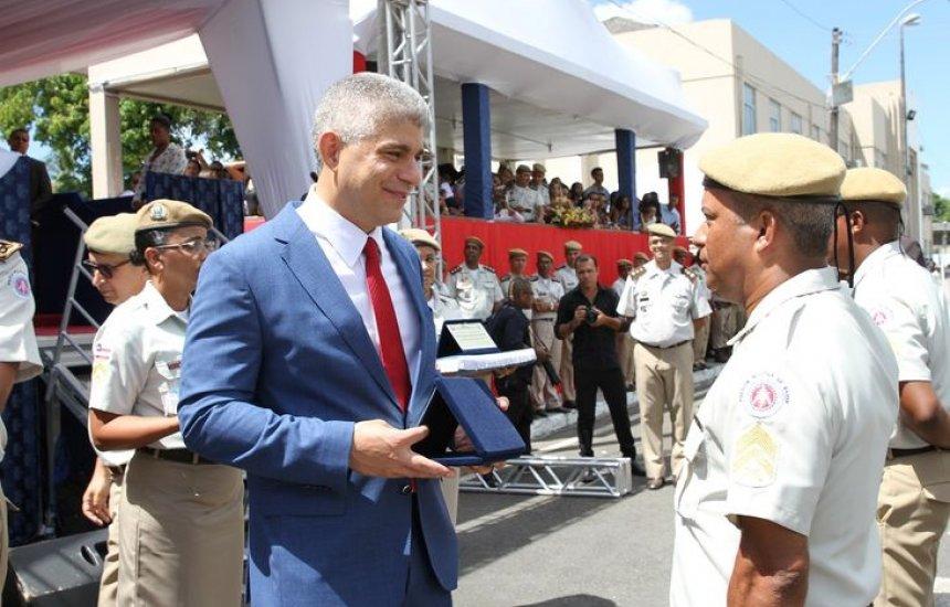 [Polícia Militar ganha mais 301 sargentos após formatura]