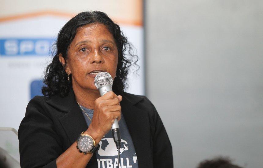 [Projeto de futebol feminino oferece aulas gratuitas para jovens]