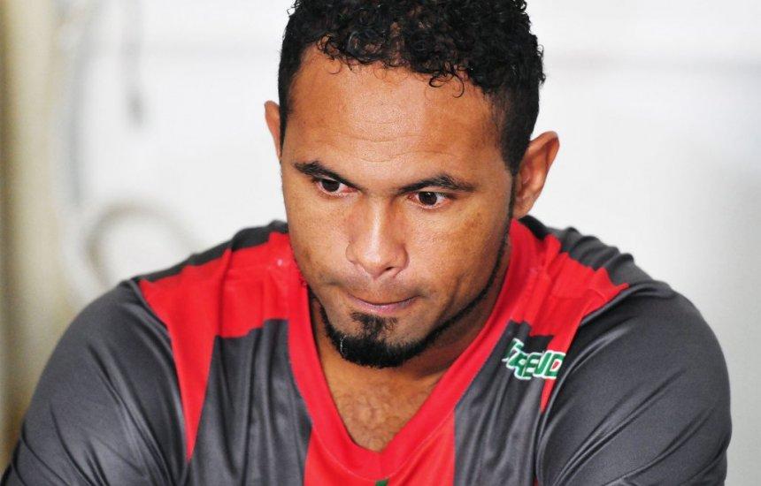 [Fluminense de Feira desiste de negociar contratação do goleiro Bruno]