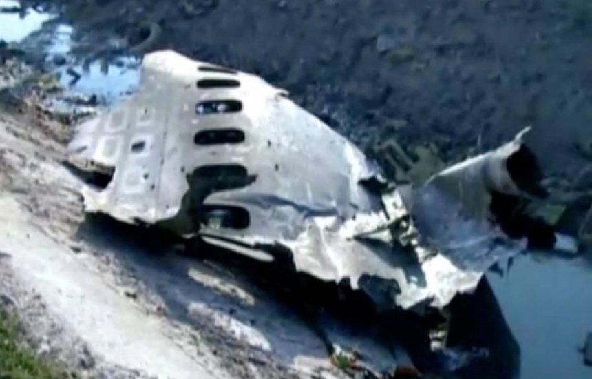 [Queda de avião ucraniano no Irã deixa mais de 170 mortos]