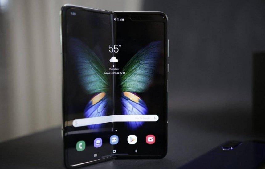 [Smartphone de tela dobrável chega ao Brasil nesta quinta-feira (16)]