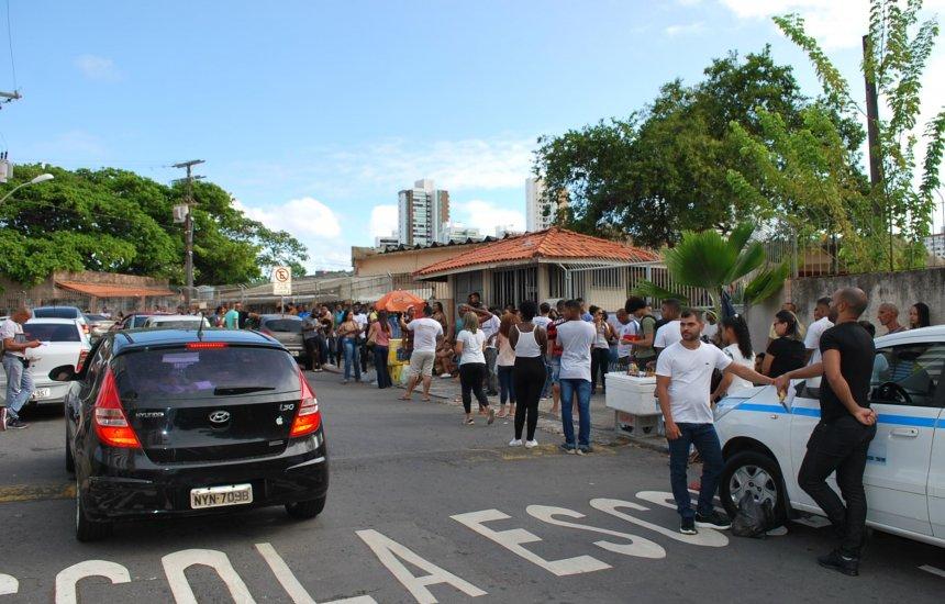 89 mil candidatos realizaram prova do concurso da Polícia Militar da Bahia