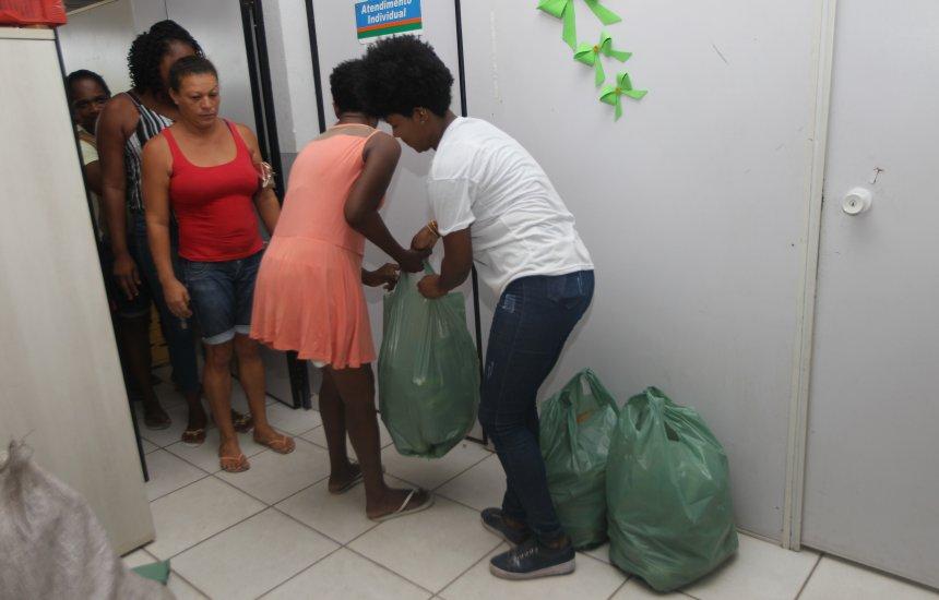 [Programa de Aquisição de Alimentos entrega doações em Candeias]