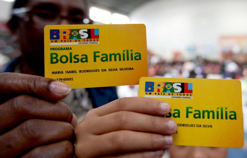 Fila do Bolsa Família vai de zero a 490 mil no primeiro ano do governo Bolsonaro