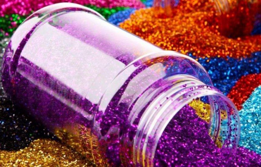 [Projeto proíbe em todo país uso de glitter e purpurina feitos com microesferas de plástico]
