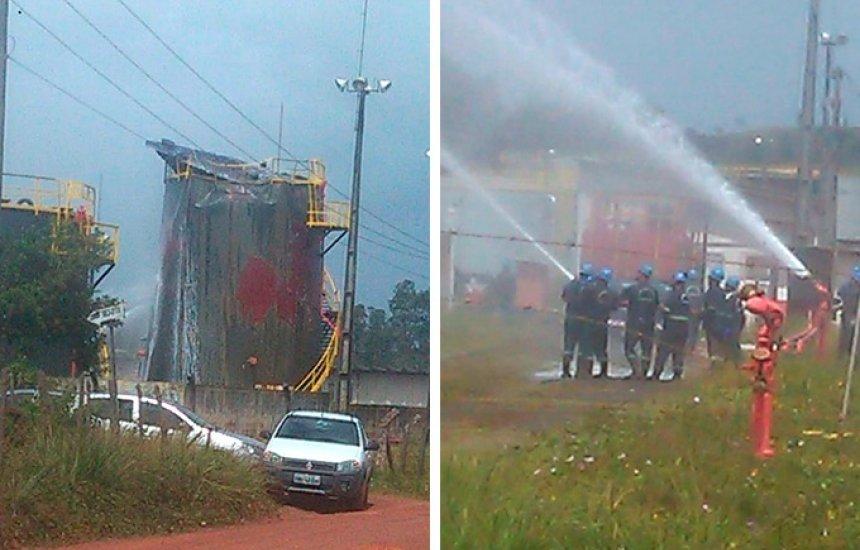 """Tanque da empresa PetroReconcavo explode e assusta moradores: """"Nunca ouvi algo igual"""""""