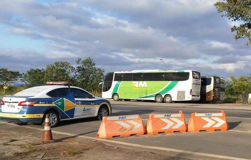 [Operação apreende sete ônibus que faziam transporte irregular de passageiro na Bahia]