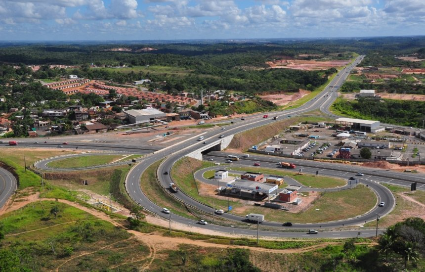 [Sistema BA-093: Bahia Norte efetua intervenções de manutenção em trecho da Via Parafuso]