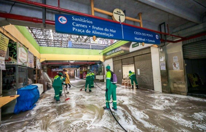 Feira de Camaçari recebe limpeza, higienização e desinfecção em áreas com mais fluxo