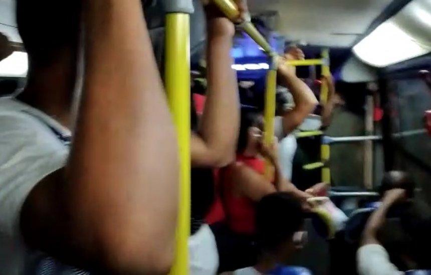 Leitora denuncia superlotação em transporte público de Camaçari