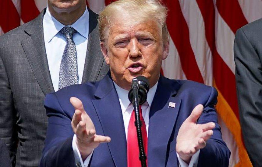 Se agíssemos como o Brasil, EUA teria 2,5 milhões de mortos, diz Trump